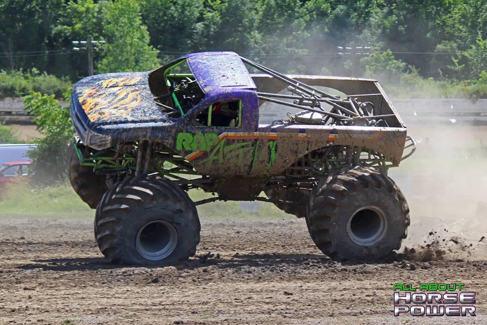40-horsepower-photography-monster-truck-mania-2018-pa-motor-speedway-predator-full-boar-crazy-train.jpg