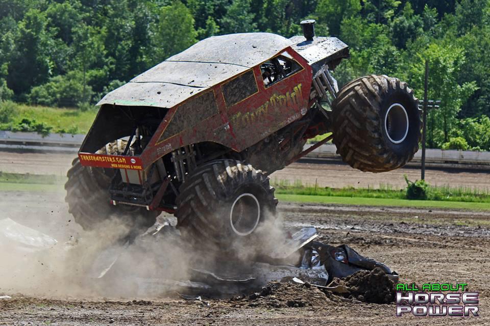 48-horsepower-photography-monster-truck-mania-2018-pa-motor-speedway-predator-full-boar-crazy-train.jpg