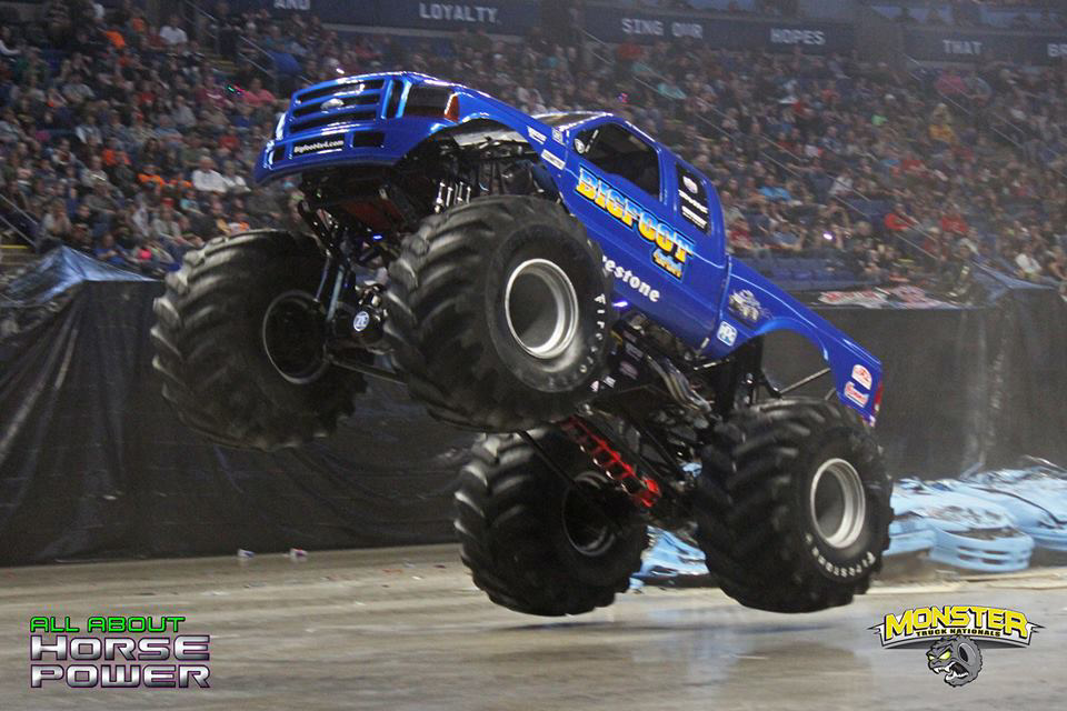 32-all-about-horsepower-photography-monster-truck-nationals-bryce-jordan-center-2018-bigfoot-basher-heavy-hitter-bad-news-ramminator.jpg