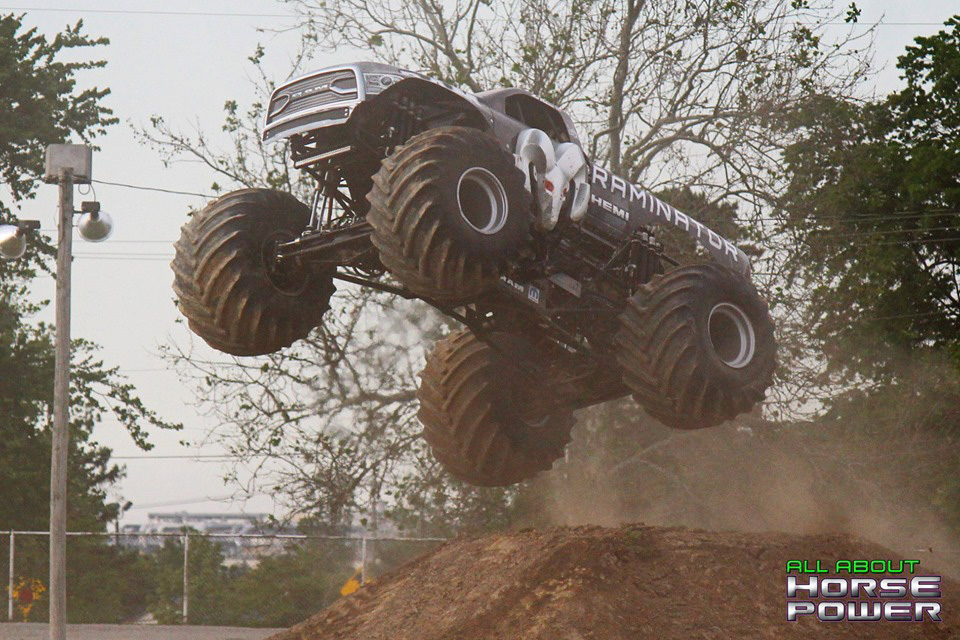32-all-about-horsepower-photos-4-wheel-jamboree-nationals-lima-ohio-2019-general-tire-monster-truck-thunder-drags.jpg