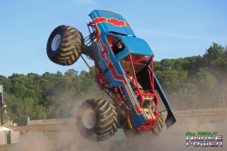 13-all-about-horsepower-photography-monster-truck-photos-pittsburghs-pennsylvania-motor-speedway-2019.jpg