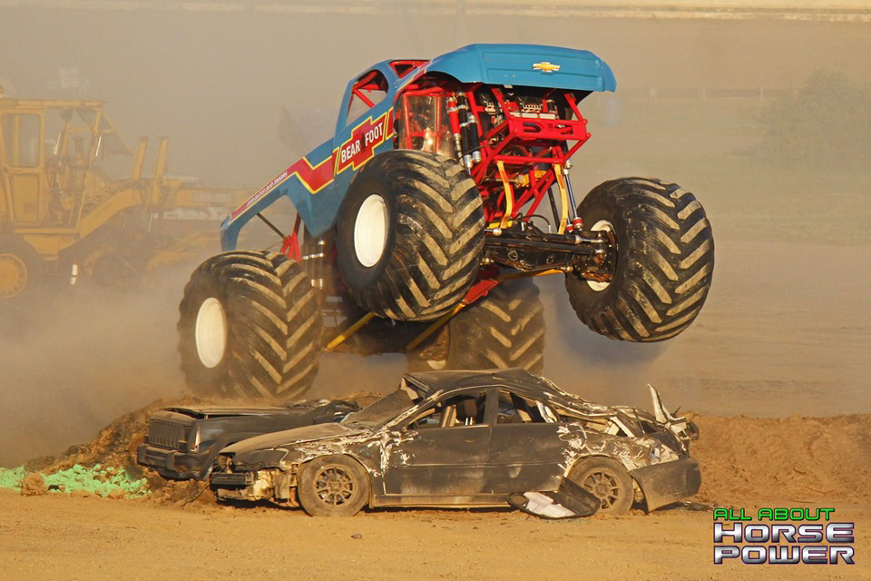 18-all-about-horsepower-photography-monster-truck-photos-pittsburghs-pennsylvania-motor-speedway-2019.jpg