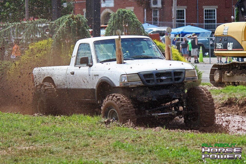 03-all-about-horsepower-photography-4-wheel-jamboree-nationals-bloomsburg-monster-truck-racing-freestyle.jpg
