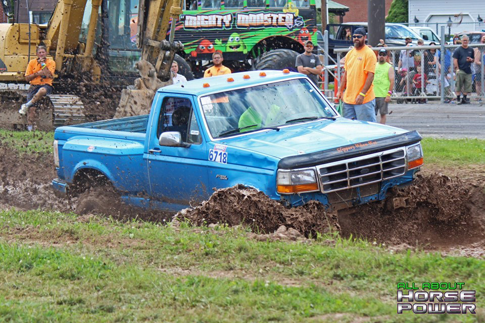 04-all-about-horsepower-photography-4-wheel-jamboree-nationals-bloomsburg-monster-truck-racing-freestyle.jpg