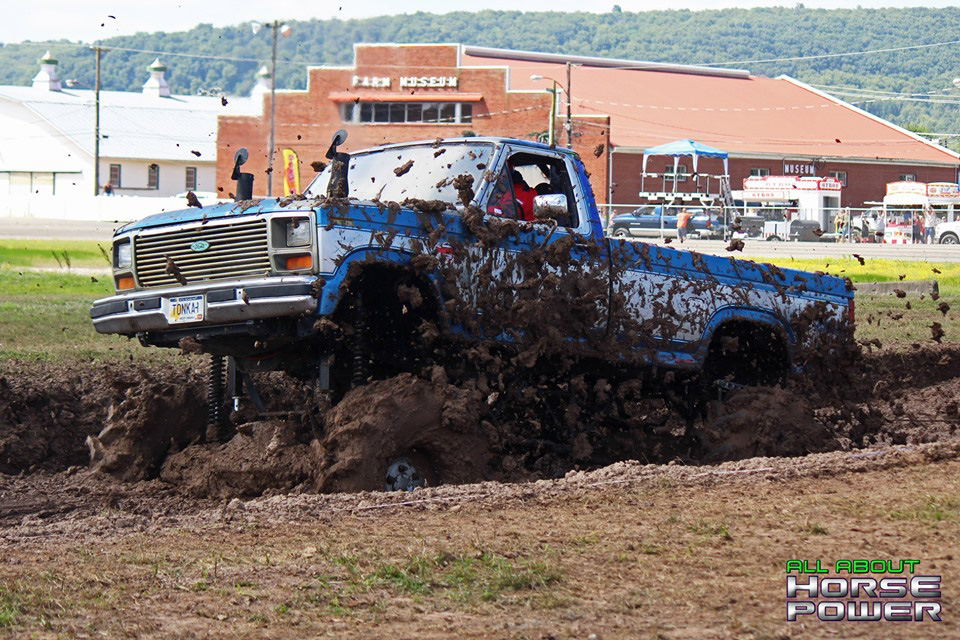 08-all-about-horsepower-photography-4-wheel-jamboree-nationals-bloomsburg-monster-truck-racing-freestyle.jpg