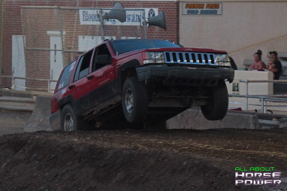 32-all-about-horsepower-photography-4-wheel-jamboree-nationals-bloomsburg-monster-truck-racing-freestyle.jpg