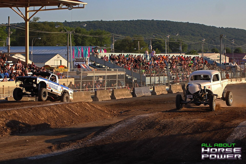 54-all-about-horsepower-photography-4-wheel-jamboree-nationals-bloomsburg-monster-truck-racing-freestyle.jpg