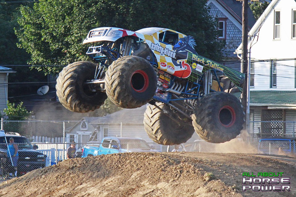 65-all-about-horsepower-photography-4-wheel-jamboree-nationals-bloomsburg-monster-truck-racing-freestyle.jpg