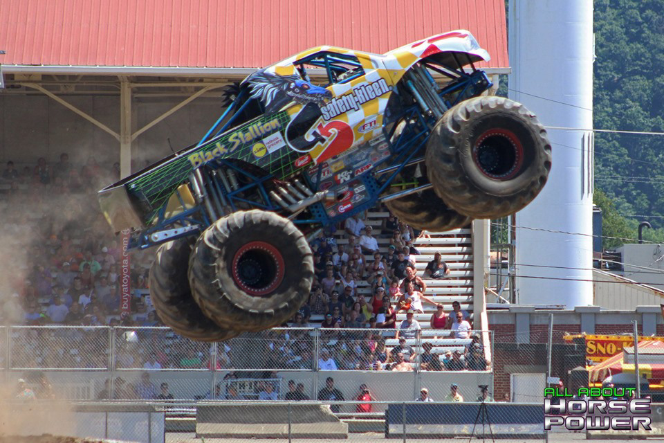 69-all-about-horsepower-photography-4-wheel-jamboree-nationals-bloomsburg-monster-truck-racing-freestyle.jpg