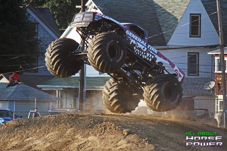 72-all-about-horsepower-photography-4-wheel-jamboree-nationals-bloomsburg-monster-truck-racing-freestyle.jpg