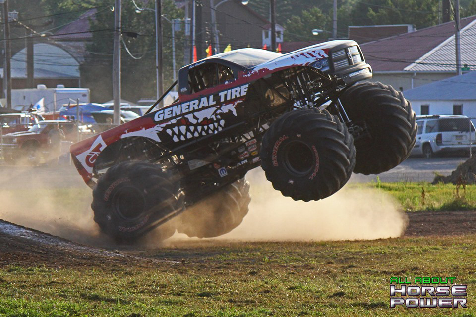 73-all-about-horsepower-photography-4-wheel-jamboree-nationals-bloomsburg-monster-truck-racing-freestyle.jpg