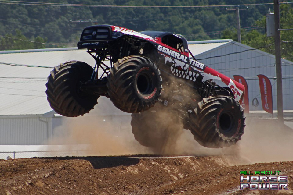 74-all-about-horsepower-photography-4-wheel-jamboree-nationals-bloomsburg-monster-truck-racing-freestyle.jpg