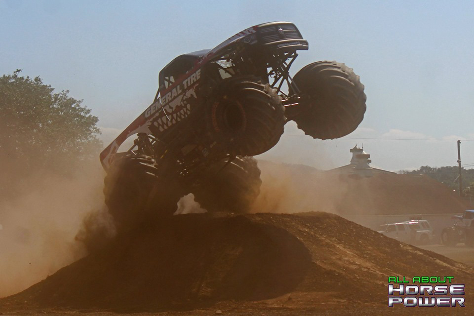 77-all-about-horsepower-photography-4-wheel-jamboree-nationals-bloomsburg-monster-truck-racing-freestyle.jpg