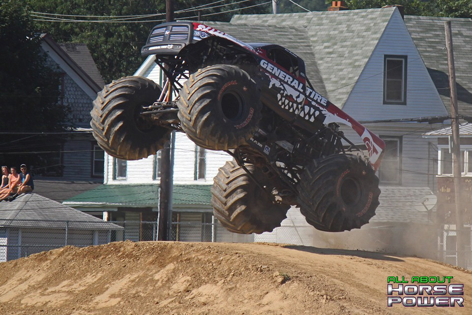 78-all-about-horsepower-photography-4-wheel-jamboree-nationals-bloomsburg-monster-truck-racing-freestyle.jpg