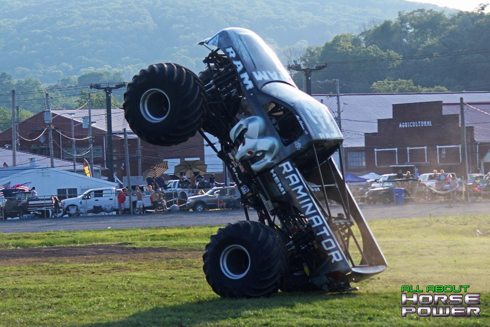 82-all-about-horsepower-photography-4-wheel-jamboree-nationals-bloomsburg-monster-truck-racing-freestyle.jpg
