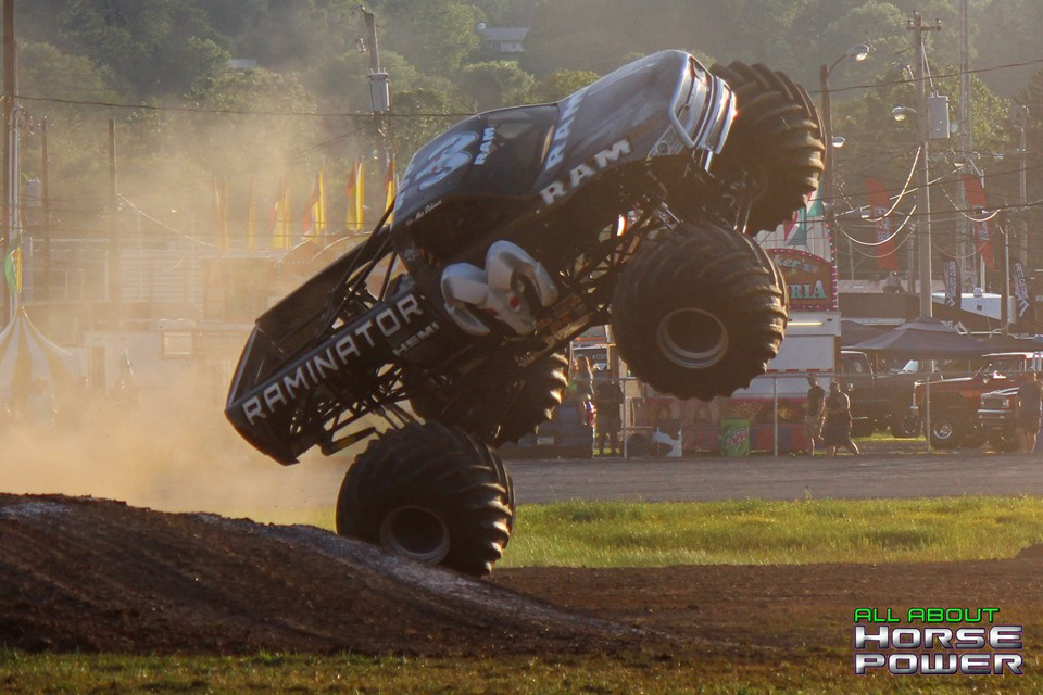 83-all-about-horsepower-photography-4-wheel-jamboree-nationals-bloomsburg-monster-truck-racing-freestyle.jpg