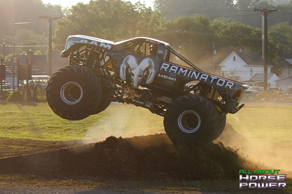 84-all-about-horsepower-photography-4-wheel-jamboree-nationals-bloomsburg-monster-truck-racing-freestyle.jpg
