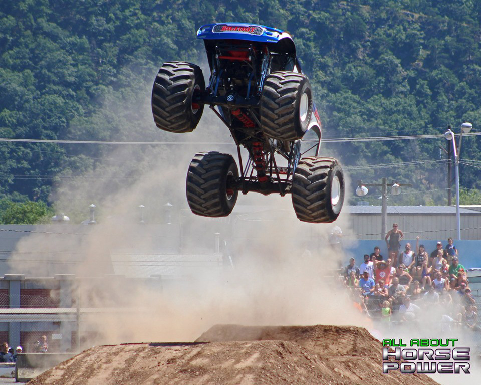 95-all-about-horsepower-photography-4-wheel-jamboree-nationals-bloomsburg-monster-truck-racing-freestyle.jpg
