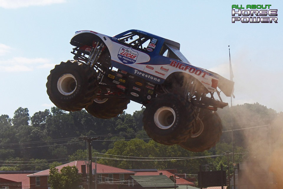 98-all-about-horsepower-photography-4-wheel-jamboree-nationals-bloomsburg-monster-truck-racing-freestyle.jpg
