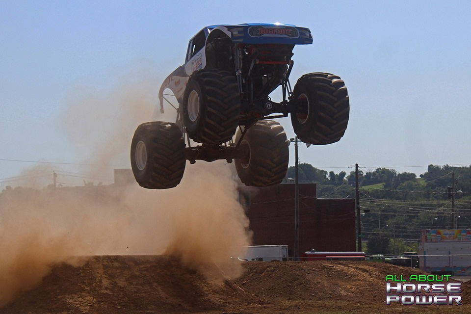 101-all-about-horsepower-photography-4-wheel-jamboree-nationals-bloomsburg-monster-truck-racing-freestyle.jpg