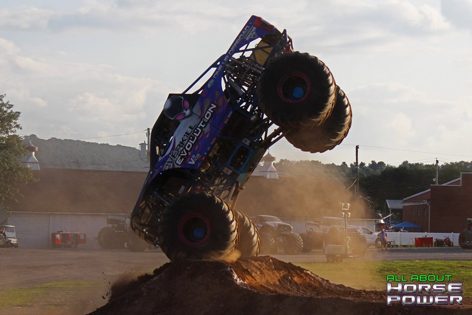 102-all-about-horsepower-photography-4-wheel-jamboree-nationals-bloomsburg-monster-truck-racing-freestyle.jpg