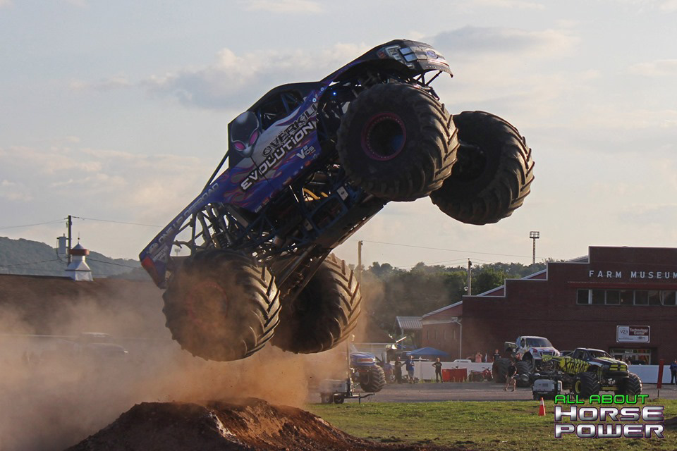 103-all-about-horsepower-photography-4-wheel-jamboree-nationals-bloomsburg-monster-truck-racing-freestyle.jpg