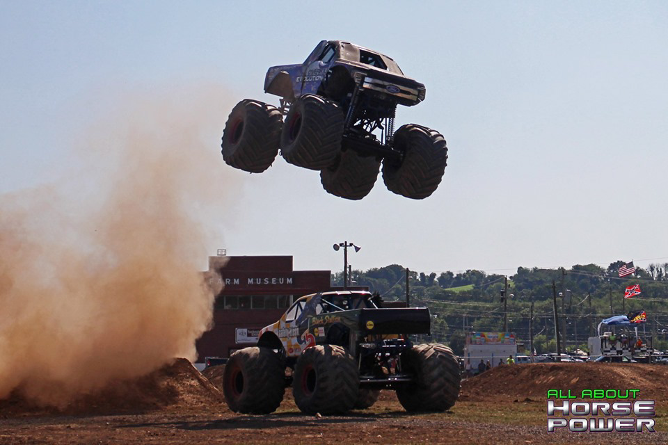 113-all-about-horsepower-photography-4-wheel-jamboree-nationals-bloomsburg-monster-truck-racing-freestyle.jpg