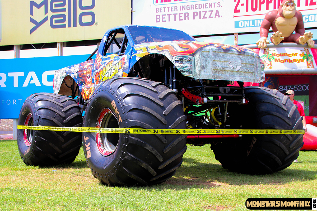 02-monsters-monthly-circle-k-back-to-school-monster-truck-bash-the-dirt-track-race-charlotte-north-carolina-2018-bigfoot.jpg