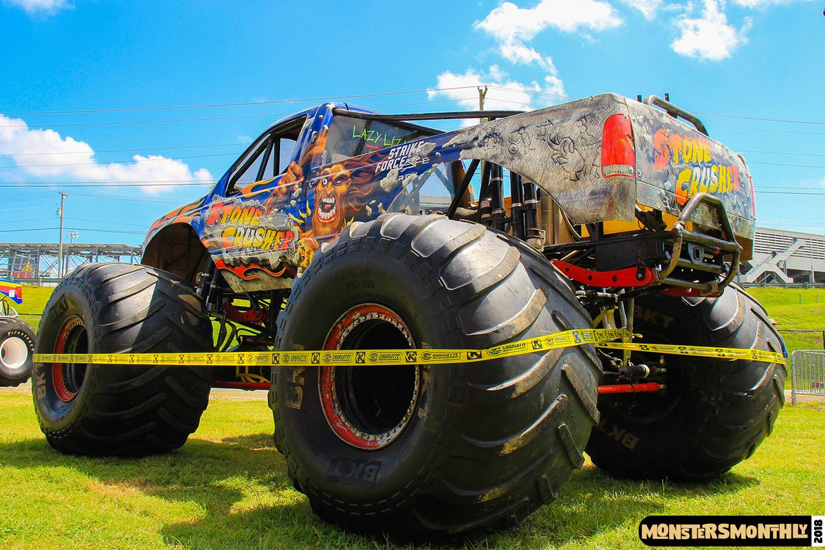 04-monsters-monthly-circle-k-back-to-school-monster-truck-bash-the-dirt-track-race-charlotte-north-carolina-2018-bigfoot.jpg