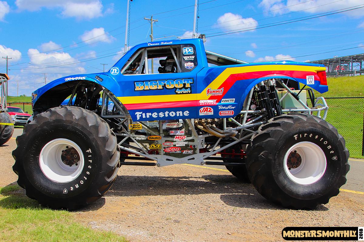 06-monsters-monthly-circle-k-back-to-school-monster-truck-bash-the-dirt-track-race-charlotte-north-carolina-2018-bigfoot.jpg