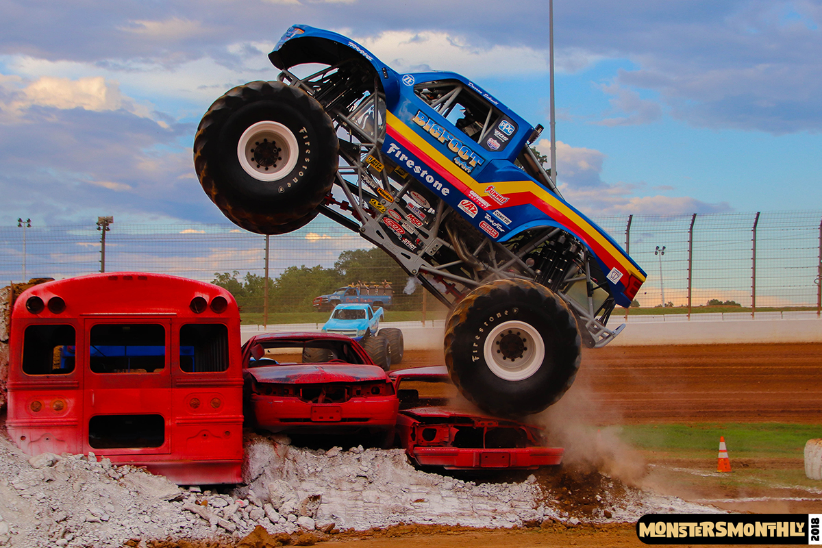 36-monsters-monthly-circle-k-back-to-school-monster-truck-bash-the-dirt-track-race-charlotte-north-carolina-2018-bigfoot6.jpg