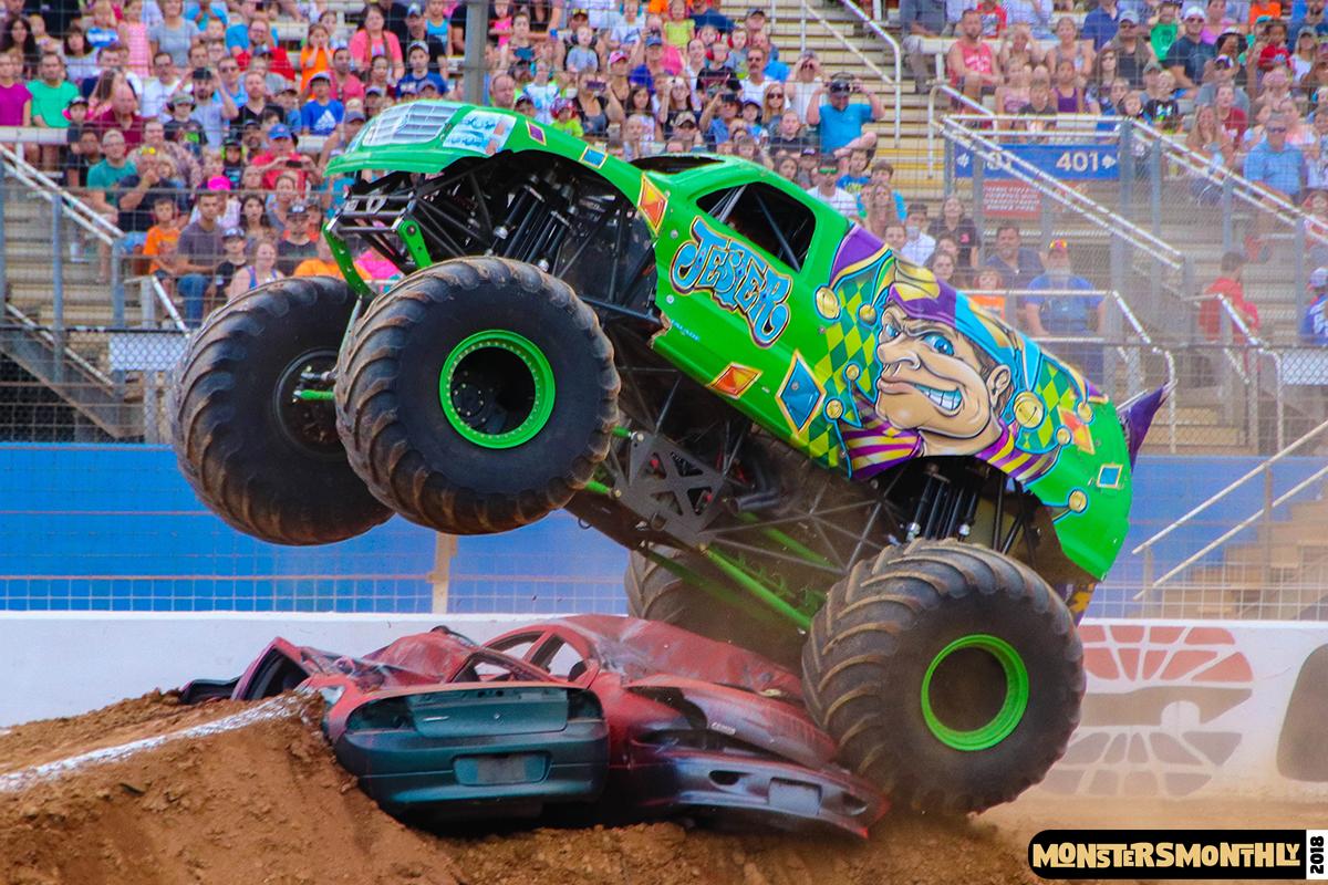 44-monsters-monthly-circle-k-back-to-school-monster-truck-bash-the-dirt-track-race-charlotte-north-carolina-2018-bigfoot4.jpg