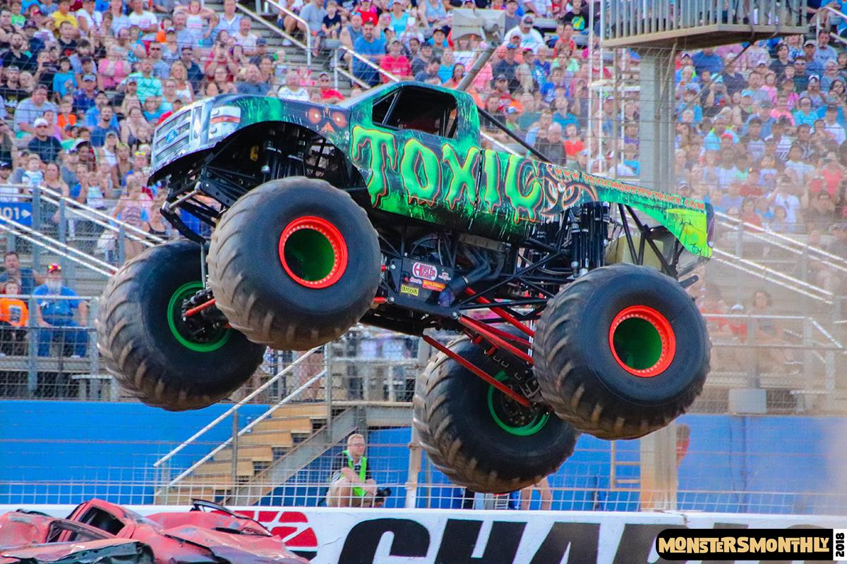 82-monsters-monthly-circle-k-back-to-school-monster-truck-bash-the-dirt-track-race-charlotte-north-carolina-2018-bigfoot2.jpg