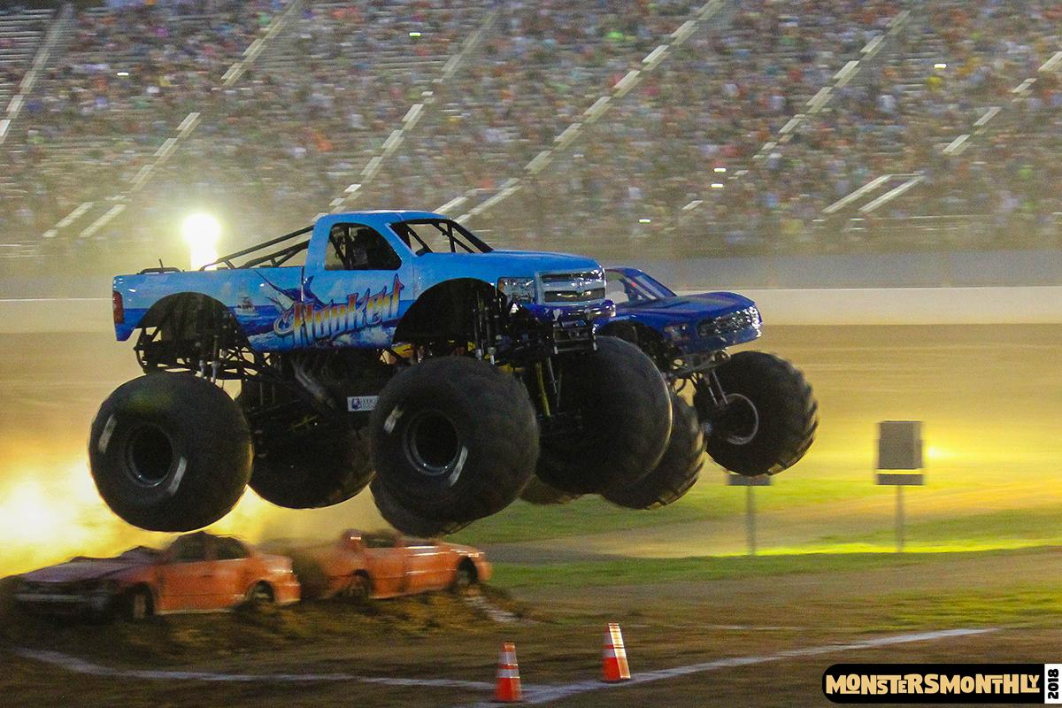 100-monsters-monthly-circle-k-back-to-school-monster-truck-bash-the-dirt-track-race-charlotte-north-carolina-2018-bigfoot00.jpg