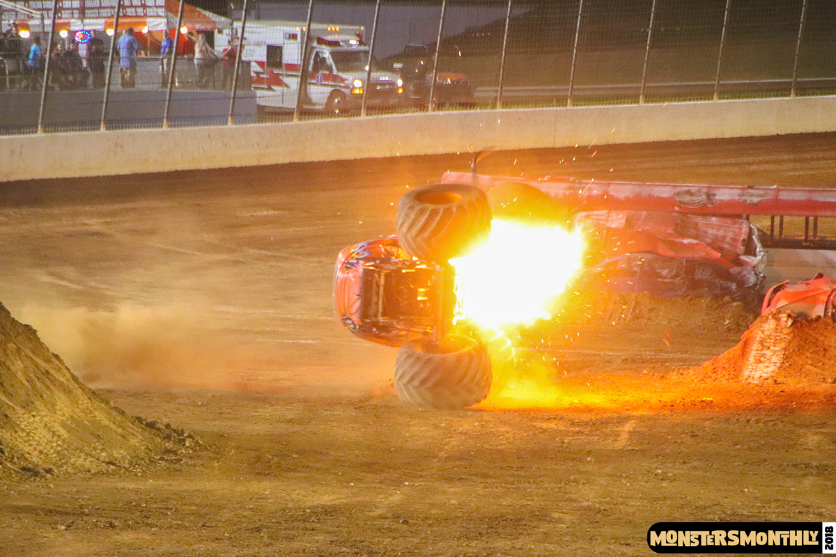 104-monsters-monthly-circle-k-back-to-school-monster-truck-bash-the-dirt-track-race-charlotte-north-carolina-2018-bigfoot04.jpg