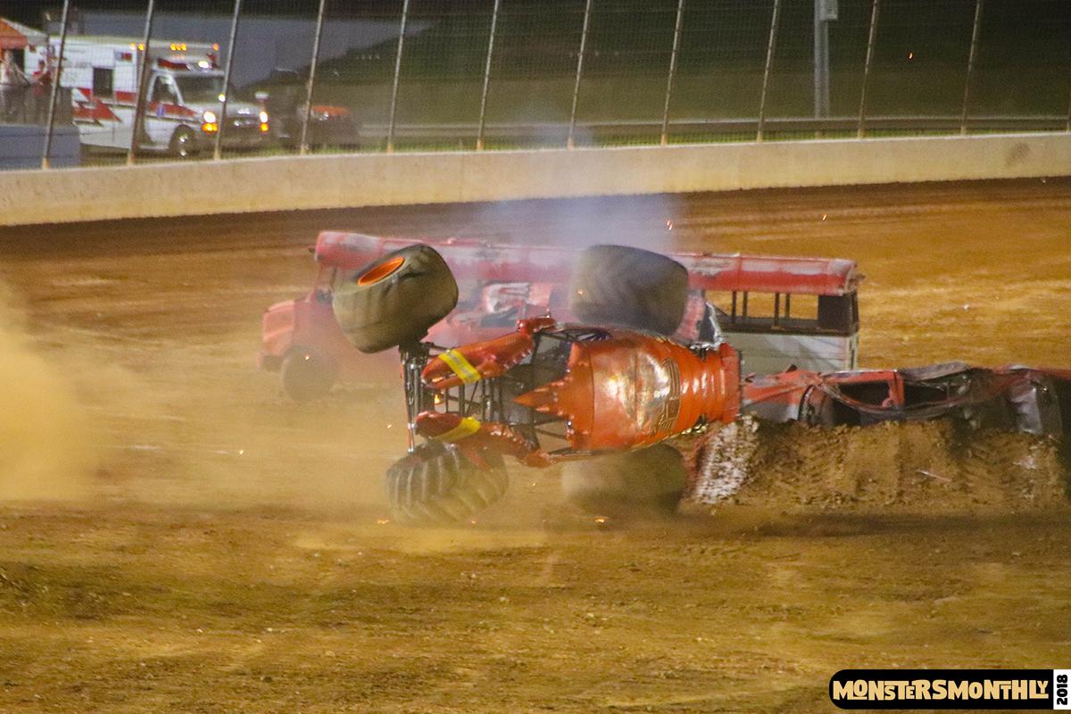 105-monsters-monthly-circle-k-back-to-school-monster-truck-bash-the-dirt-track-race-charlotte-north-carolina-2018-bigfoot05.jpg