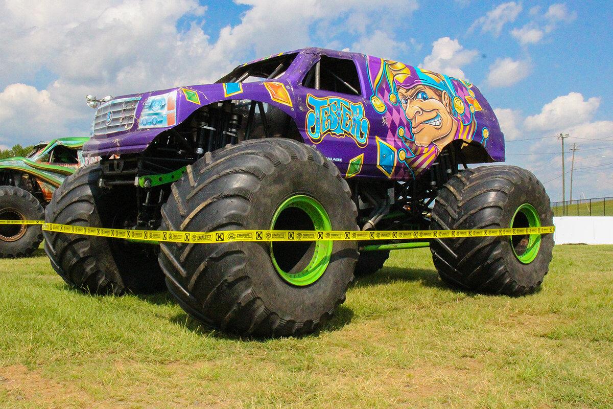 04-monsters-monthly-back-to-school-monster-truck-bash-the-dirt-track-charlotte-2019.jpg