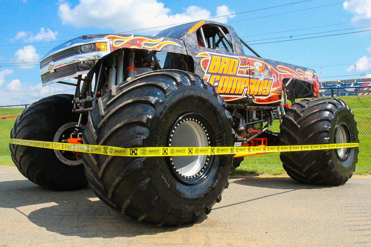 09-monsters-monthly-back-to-school-monster-truck-bash-the-dirt-track-charlotte-2019.jpg