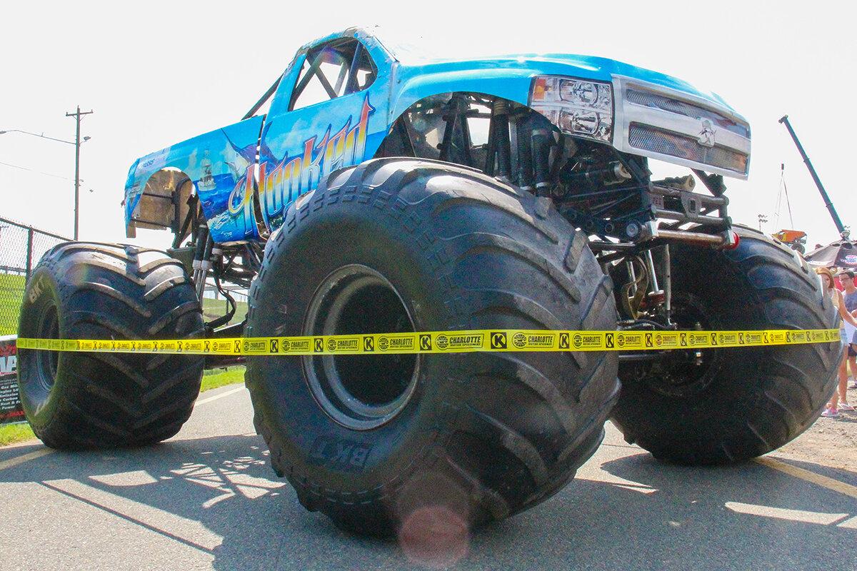 14-monsters-monthly-back-to-school-monster-truck-bash-the-dirt-track-charlotte-2019.jpg