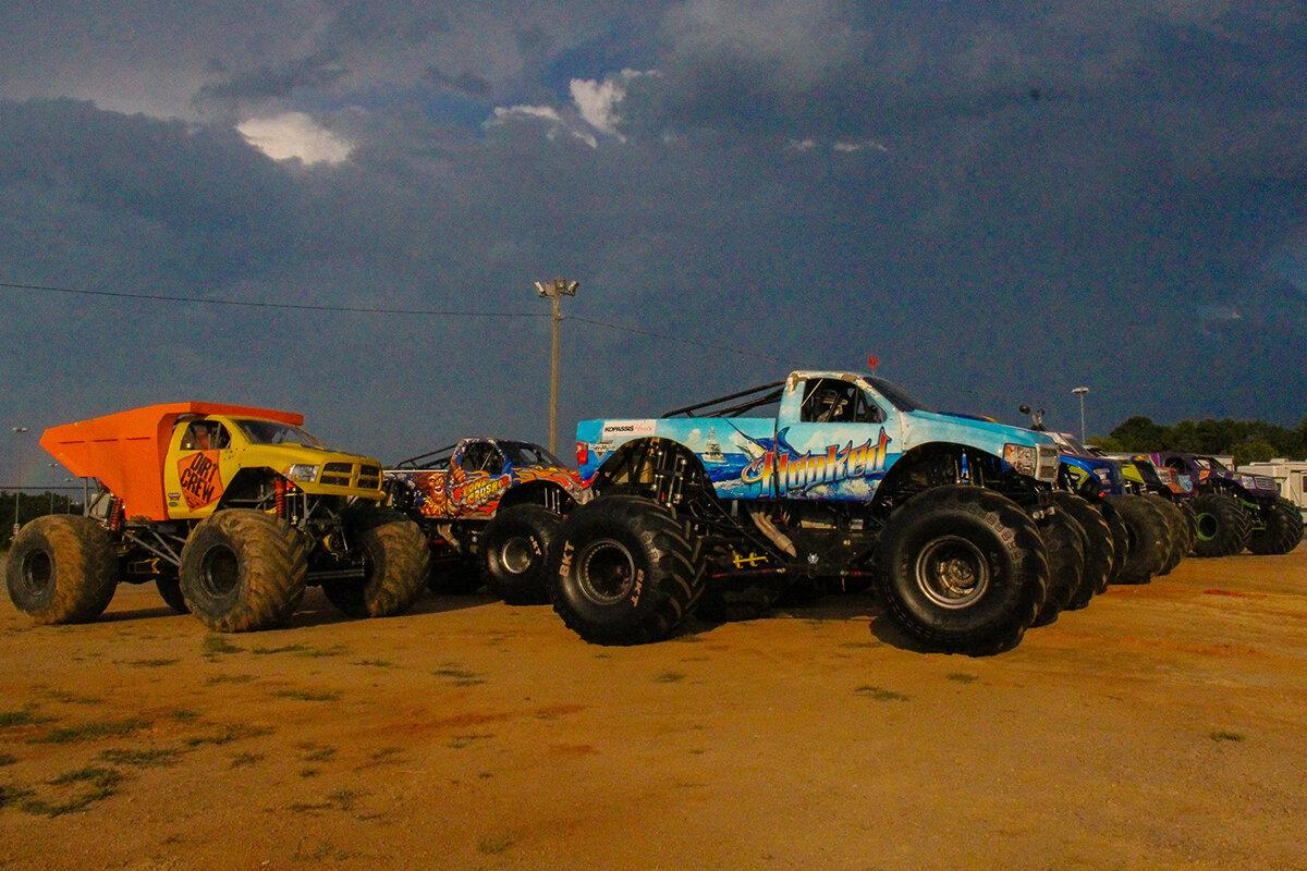 17-monsters-monthly-back-to-school-monster-truck-bash-the-dirt-track-charlotte-2019.jpg