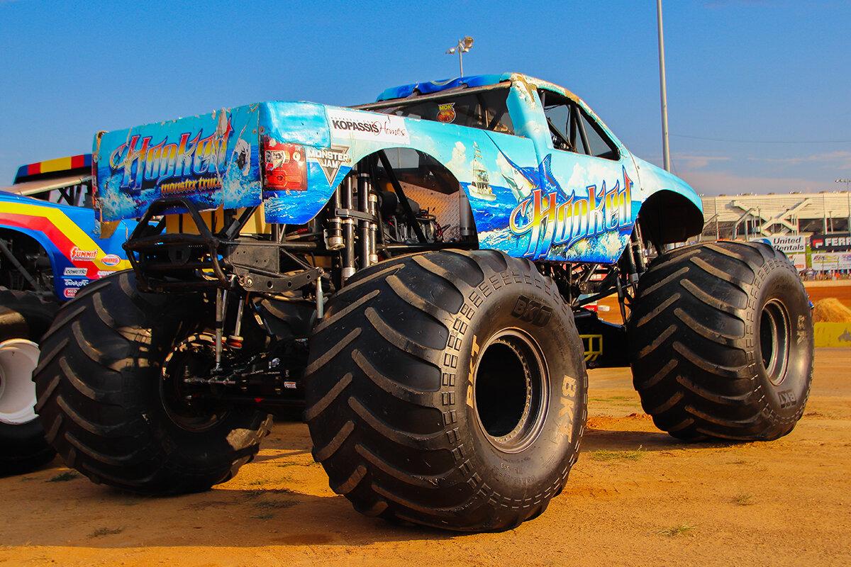 20-monsters-monthly-back-to-school-monster-truck-bash-the-dirt-track-charlotte-2019.jpg