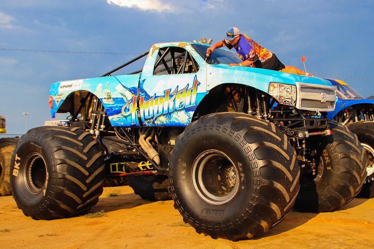 22-monsters-monthly-back-to-school-monster-truck-bash-the-dirt-track-charlotte-2019.jpg