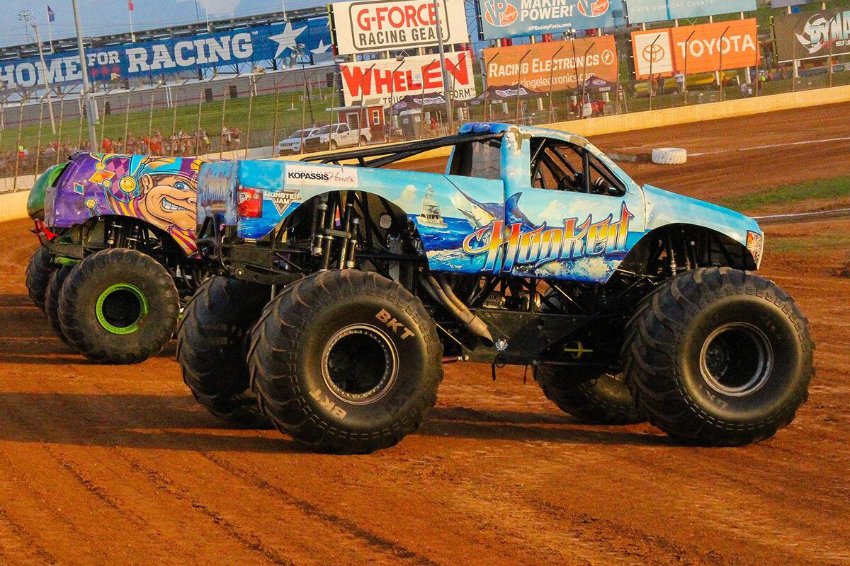 26-monsters-monthly-back-to-school-monster-truck-bash-the-dirt-track-charlotte-2019.jpg