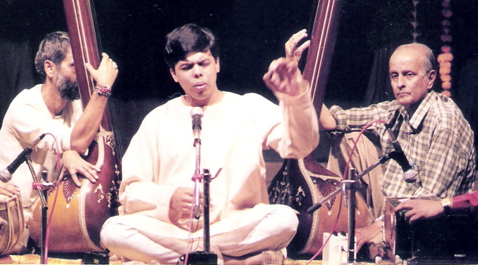 First major concert - Opening the Acharya S. N. Ratanjankar Centenary year concert series, Mumbai Feb 2000
