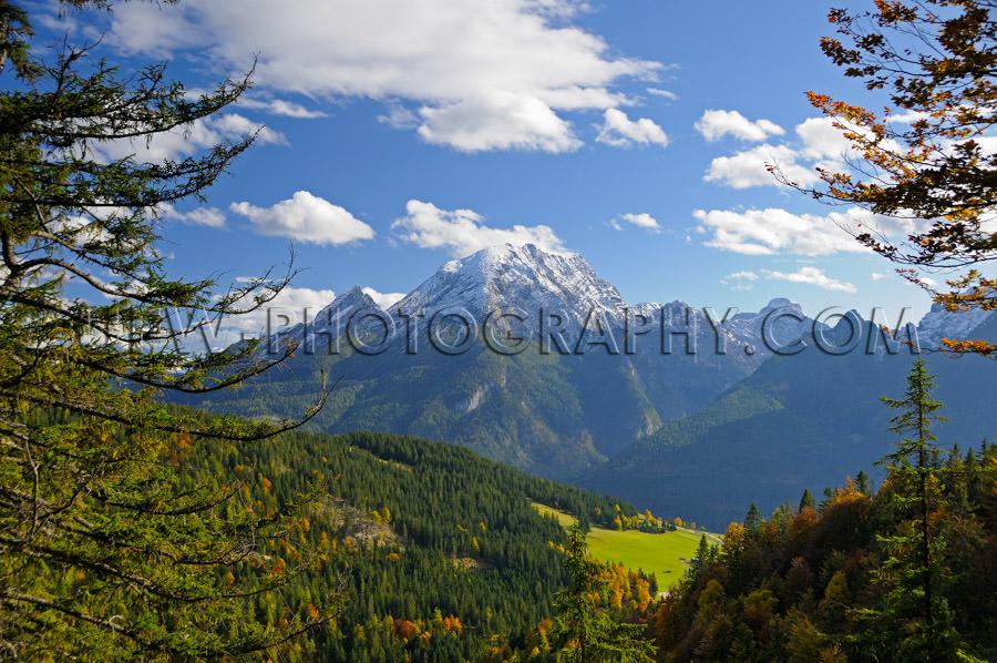 Beautiful tree framed mountain range landscape Stock Image