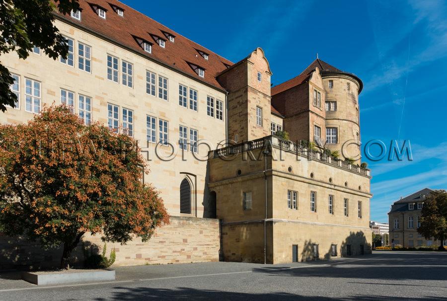 Burg Schloss Mittelalterliche Fassade Turm Tiefblauer Himmel Sto