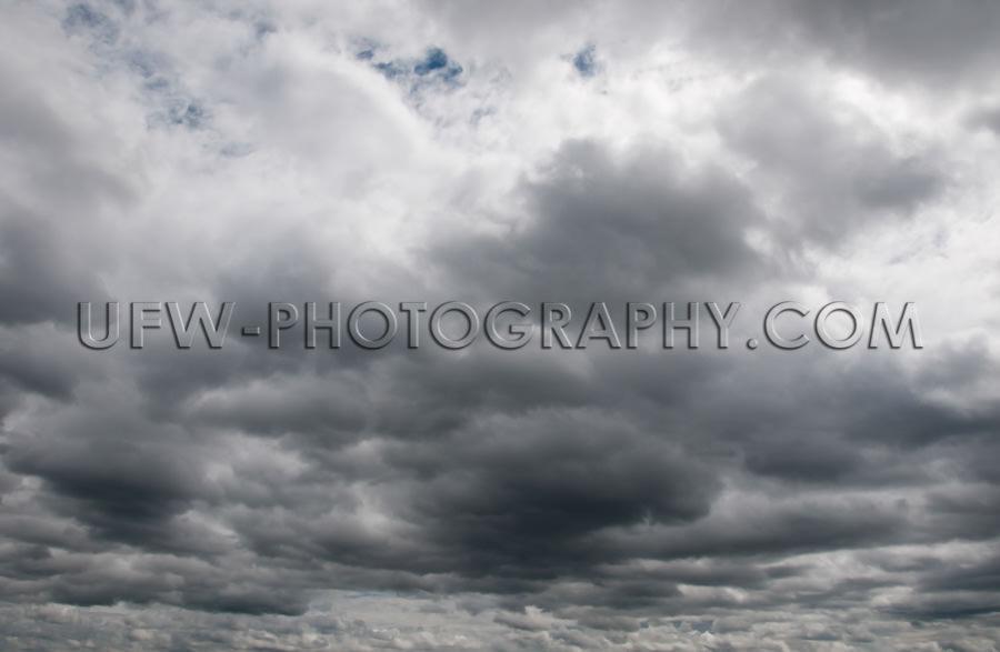 Dramatischer Unheilbringender Himmel Dunkle Graue Gewitterwolken