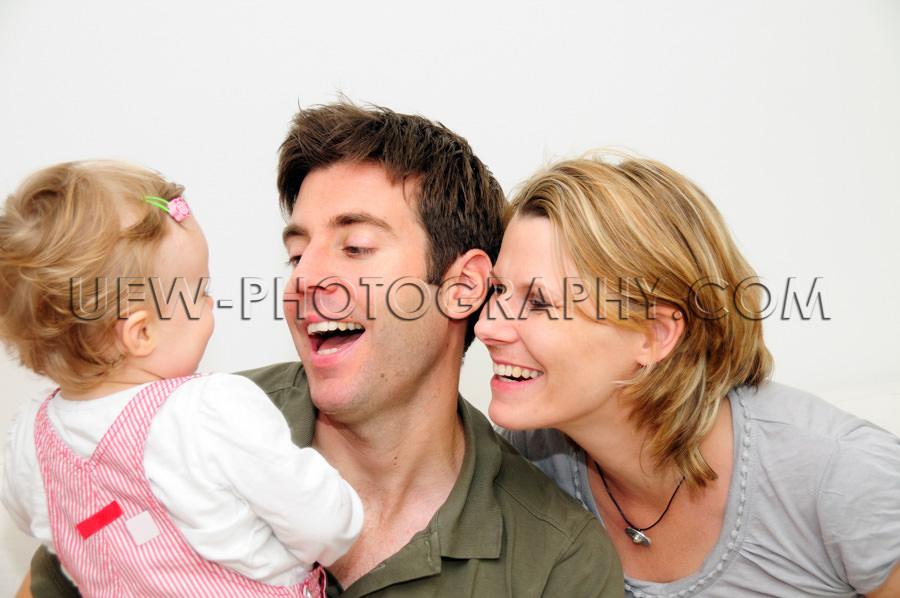 Glücklicher Junge Familie Vater Mutter Mädchen Kleinkind Läch