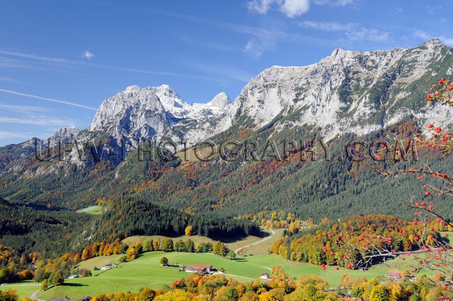Traumhaft Großartig Bunt Gebirgstal Berge Alpen Herbst Stock Fo