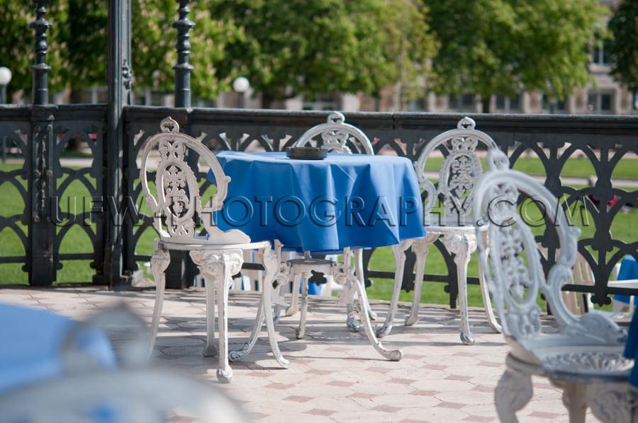 Im Freien Restaurant Blau Tisch Pavillon Stock Foto
